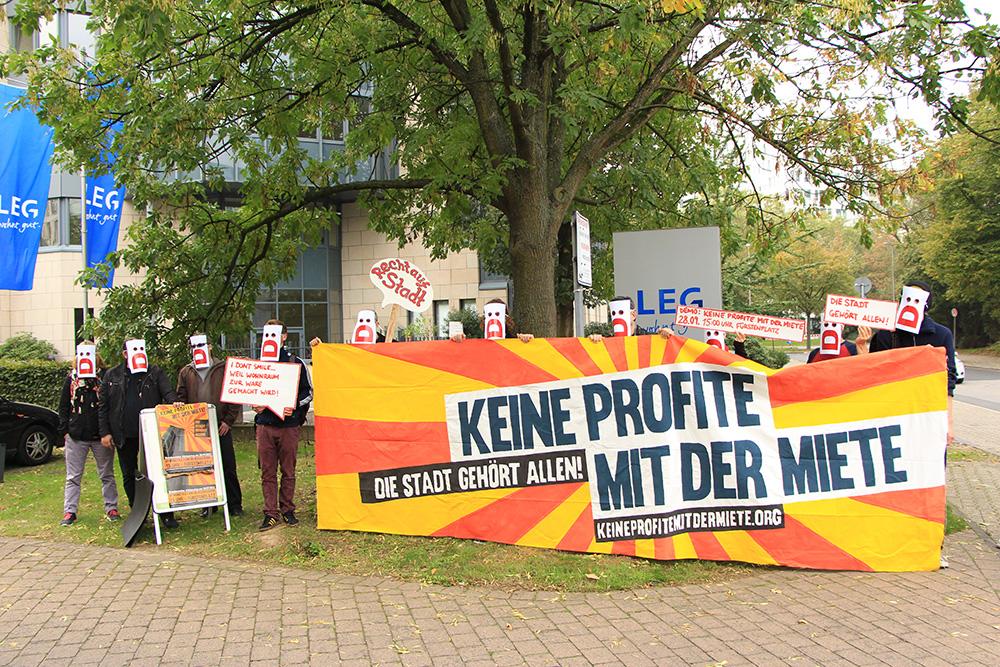 Proteste vor der LEG Geschäftsstelle
